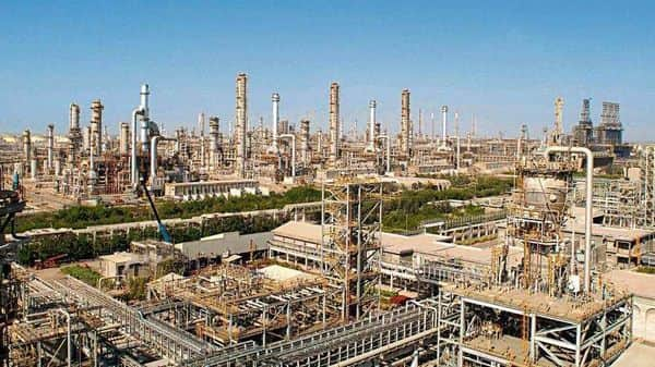 File photo of an RIL refinery at Jamnagar. The company is expected to report a 14% q-o-q rise in Ebitda and a 16% q-o-q recovery in earnings, two-thirds of which will be driven by a recovery in petrochemicals Ebitda, say brokers. (Photo: AFP)