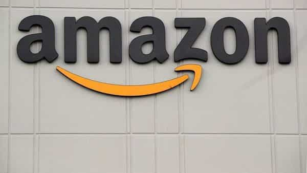 FILE PHOTO: The Amazon logo is pictured outside the company's JFK8 distribution center in Staten Island, New York, U.S. November 25, 2020.  REUTERS/Brendan McDermid/File Photo (REUTERS)