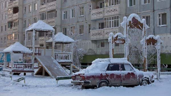 A car covered in ice in Yakutsk (REUTERS)