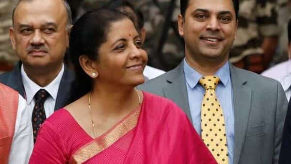 Finance Minister Nirmala Sitharaman (C) and Krishnamurthy Subramanian (R), chief economic adviser (REUTERS)