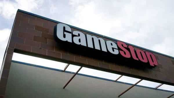 The GameStop store sign is seen at its shop in Westminster, Colorado January 14, 2014.   REUTERS/Rick Wilking/File Photo (REUTERS)