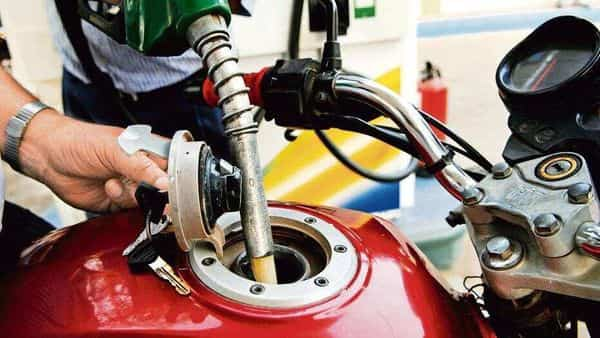 The cess was imposed with immediate effect on petrol ( ₹2.5 per litre), diesel ( ₹4 per litre) and 12 other commodities. (Photo: Mint)