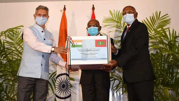 External Affairs Minister S Jaishankar hands over 1,00,000 additional doses of Covid vaccine to Maldives' Foreign Minister Abdulla Shahid and Health Minister Kerafa Naseem (PTI)