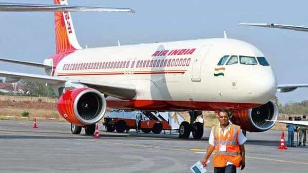 Air India owes  ₹3,000 crore in fuel dues to three major oil companies (Bloomberg)