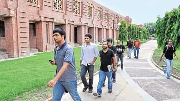 XLRI achieves 100% placement within two days, average salary of ₹25.08 lakh - Mint