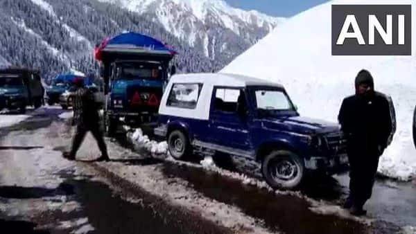 Srinagar-Leh national highway reopens for vehicular traffic