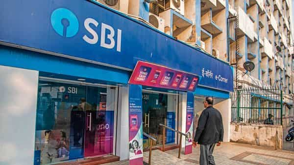 Earlier SBI OTP-based cash withdrawal is available for transactions at SBI ATMs between 8 pm and 8 am. (MINT_PRINT)