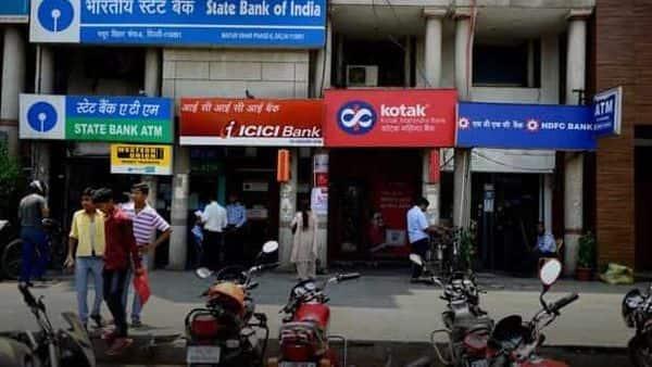 Bank FD rates compared: SBI vs Kotak Mahindra vs Canara vs Yes Bank - Mint
