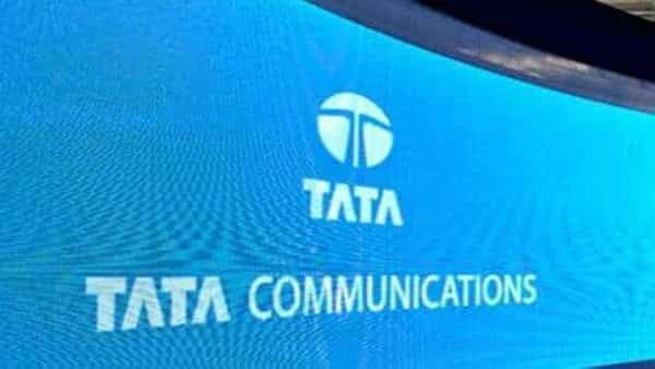 The government sold its remaining 26.12% stake in TCL.