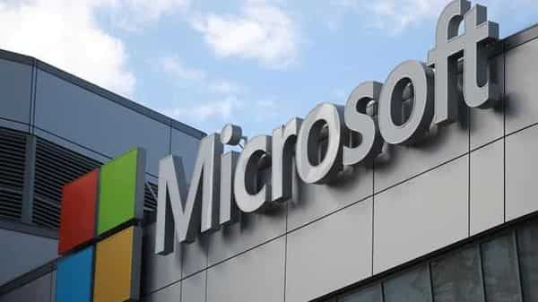 FILE PHOTO: Microsoft is pushing lawmakers around the world to approve measures to force the tech platforms to pay news outlet for content (REUTERS)
