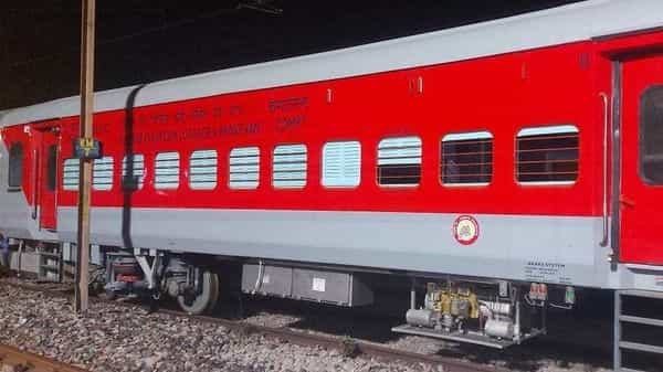 The HOG technology has been recently introduced in trains fitted with LHB coaches and hauled by electric traction.