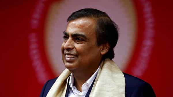 FILE PHOTO: Mukesh Ambani, Chairman and Managing Director of Reliance Industries, attends a convocation at the Pandit Deendayal Petroleum University in Gandhinagar, India, September 23, 2017. REUTERS/Amit Dave//File Photo (REUTERS)