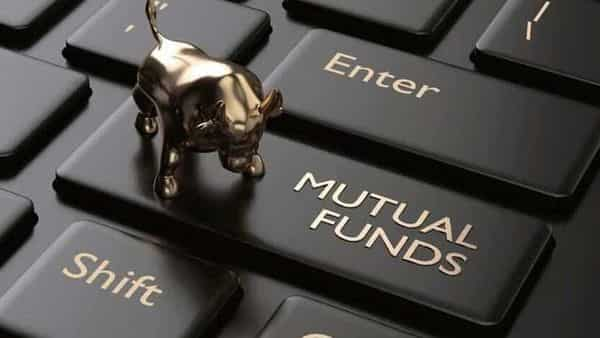 Mutual funds turn net buyers; invest ₹2,476 cr in equities in March