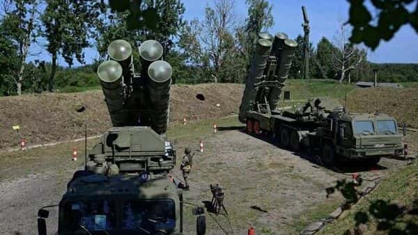 A file photo of Russian S-400 missile air defence systems at a military base in Kaliningrad region, Russia (Photo: Reuters)