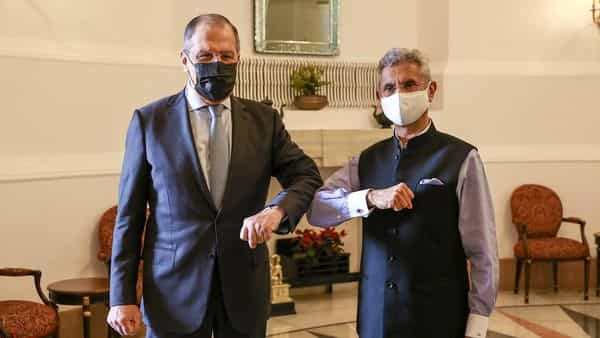 Russia's Foreign Minister Sergei Lavrov and his Indian counterpart Subrahmanyam Jaishankar pose for a picture during a meeting in New Delhi, India, April 6, 2021. Russian Foreign Ministry/Handout via REUTERS  ATTENTION EDITORS - THIS IMAGE WAS PROVIDED BY A THIRD PARTY. NO RESALES. NO ARCHIVES. MANDATORY CREDIT. (via REUTERS)