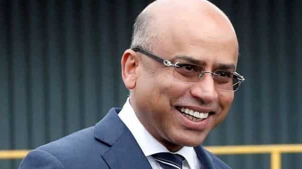 FILE PHOTO: Liberty Steel's Sanjeev Gupta smiles outside the company's Liberty Steel processing mill in Dalzell, Scotland, Britain April 8, 2016. REUTERS/Russell Cheyne/File Photo (REUTERS)