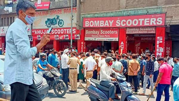 Nagpur: Automobiles traders during a protest against restriction of COVID-19 restrictions, at a market in Nagpur, Thursday, April 8, 2021. (PTI Photo) (PTI04_08_2021_000167A) (PTI)