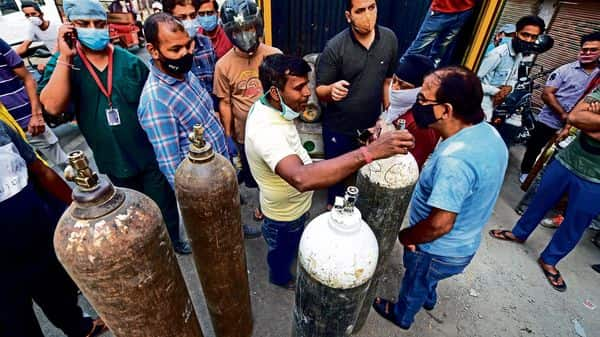Poor oxygen-supply planning has hit India hard in its second covid wave (Photo: PTI)