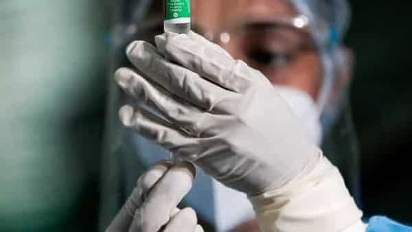 FILE PHOTO: A health official draws a dose of the AstraZeneca's COVID-19 vaccine manufactured by the Serum Institute of India. (REUTERS)