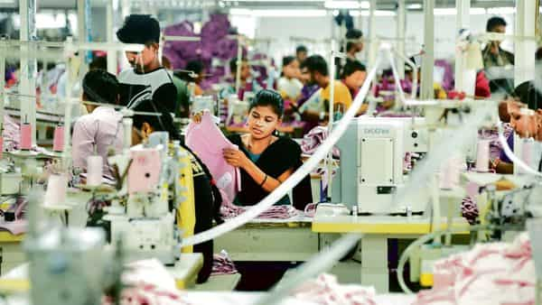 Around 300,000 apprentices are working in different sectors, but the government wishes to multiply that by several times. mint