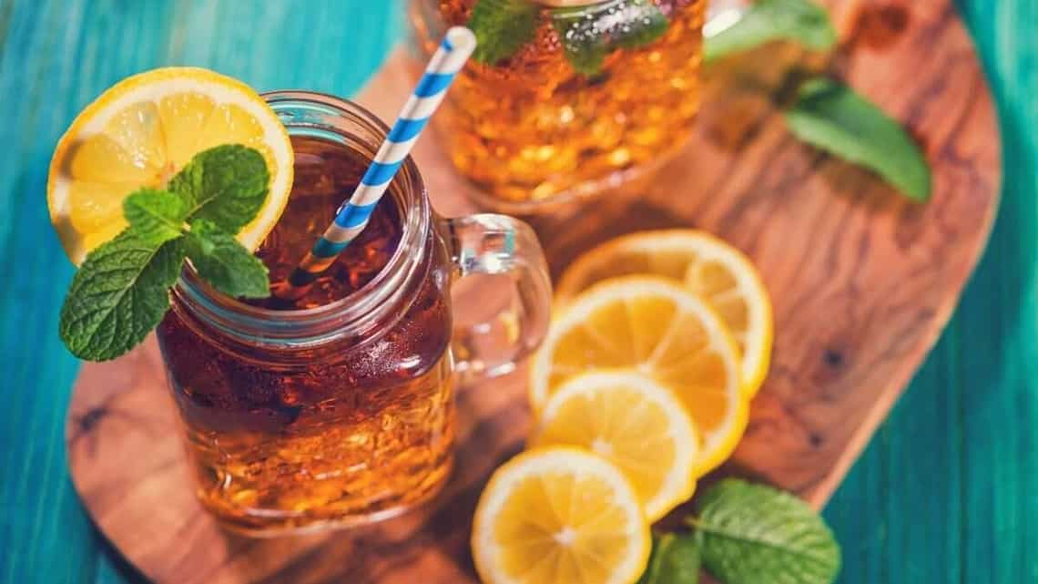Oranges are a great citrusy ingredient for healthy iced teas or tisanes