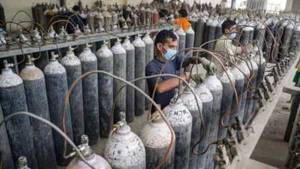 SC on Friday asked the Centre to keep supplying 700 MT of liquid medical oxygen (LMO) to Delhi (HT_PRINT)