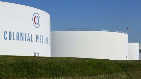 Colonial transports 2.5 million barrels per day of gasoline, diesel, jet fuel and other refined products through 5,500 miles (8,850 km) of pipelines linking refiners on the Gulf Coast to the eastern and southern United States. (REUTERS)