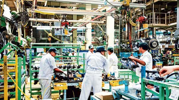 Factories' hum becomes faint as covid wave rages - Mint