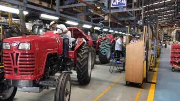 Photo of M&M announces ₹1-lakh health insurance for new tractor customers