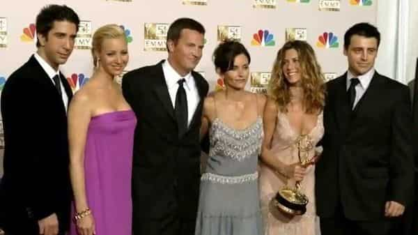 A file photo of the cast of 'Friends' at the 54th annual Emmy Awards in Los Angeles, September 22, 2002.  (Photo: Reuters)