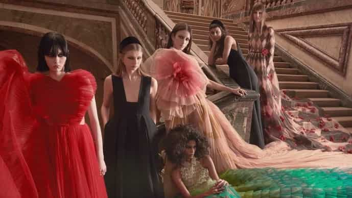 For the Dior Fall '21, creative director Maria Grazia Chiuri presented a collection about fairytales that explored the idea of vanity.