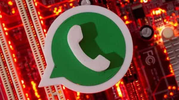 WhatsApp is working on new colours for its notifications