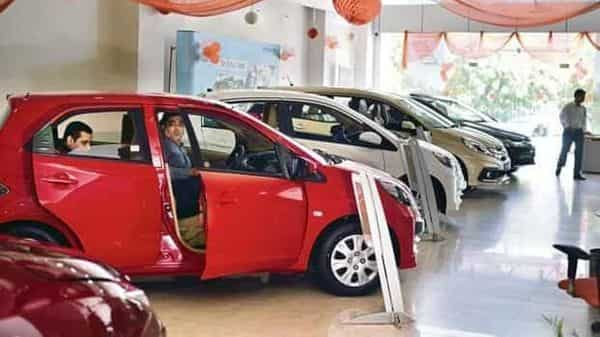 The auto industry came under pressure from the first week of April when Maharashtra imposed strict lockdown measures. Delhi, Haryana, Karnataka, Tamil Nadu and others followed suit. (Pradeep Gaur/Mint)