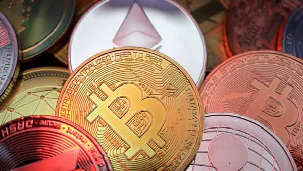 Harsh Goenka lists out 5 reasons why he will not invest in cryptocurrencies (REUTERS)
