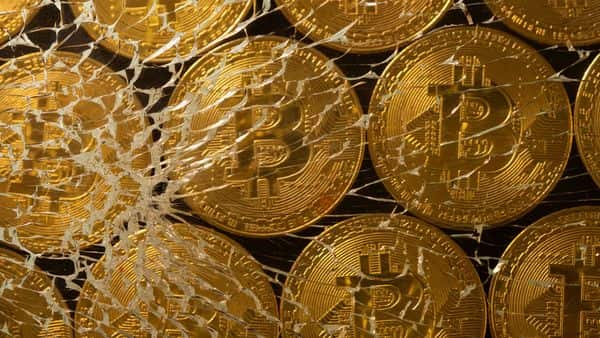 People's Bank of China has reminded the country's banks that they are prohibited from engaging in any crypto-related activity. (Photo: Reuters)