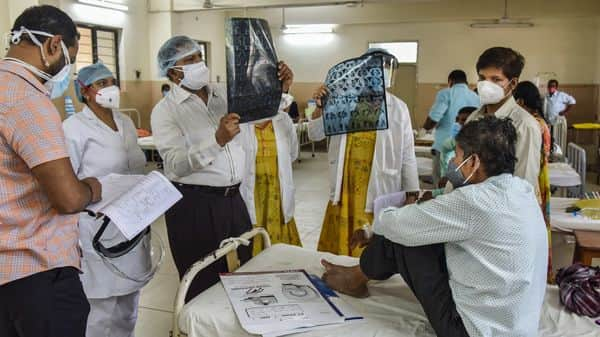 Doctors treat a black fungus infected patient. India's covid-19 cases are gradually coming down, yet the government has maintained that some states continue to be severely impacted. (PTI)