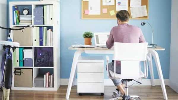 Employers should consider a work-from-home allowance to reduce their employees' office-related expenses (iStockphoto)