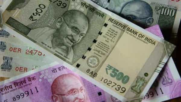 The Centre has kept interest rates on small savings schemes, including PPF and SSY, unchanged for the second quarter. (Mint)