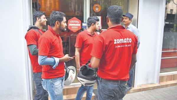 On average, 6.8 mn people ordered food every month on Zomato in FY21 (Photo: Mint)