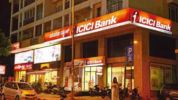 The ICICI Bank has allowed a total of 4 free cash transactions per month.