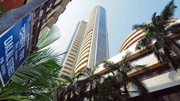 The BSE Smallcap index hit its all-time high of 26,263 today. Since the start of this year, the BSE Smallcap index is up 43%. (Photo: Mint)
