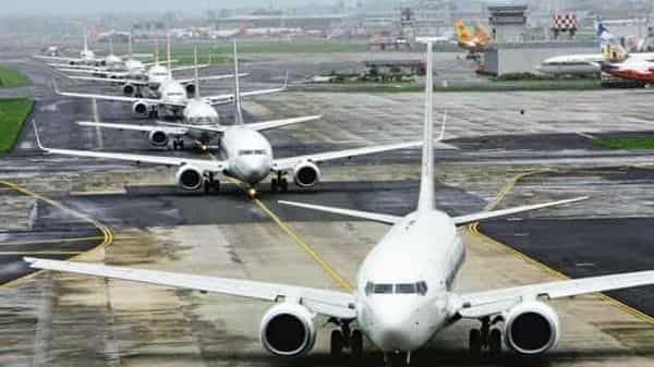 Air passenger traffic in India rose for the sixth straight week during the week ended 10 July. Photo: HT