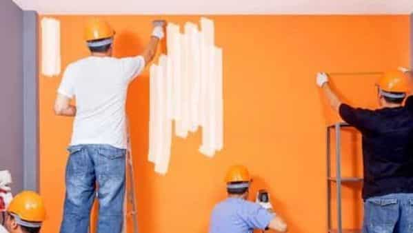 The share of organised paint companies is estimated at 75%. A sharp rise in input prices has also accelerated formalisation in this sector. (Photo: iStock)