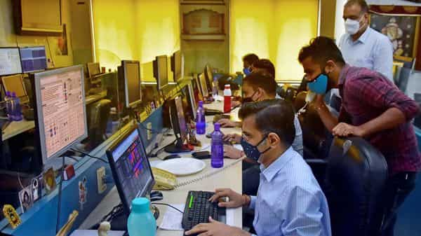On Monday, the BSE Sensex ended at 52,553.40, down 586.66 points or 1.10%. The Nifty closed at 15,752.40, down 171 points or 1.07%.
