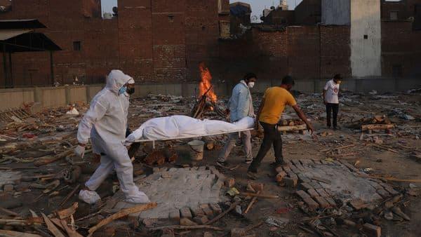 India's cumulative death toll stands at 414,482 (AP)