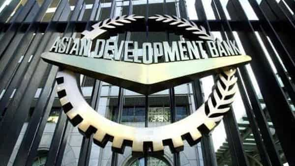 ADB cuts India's FY22 economic growth forecast to 10% (Photo: AFP)