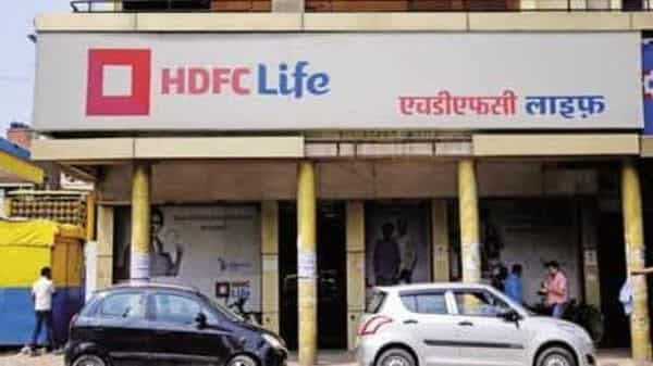 HDFC Life set aside  ₹700 crore as an excess mortality reserve towards anticipated claims in next two quarters.. Photo: Pradeep Gaur/Mint