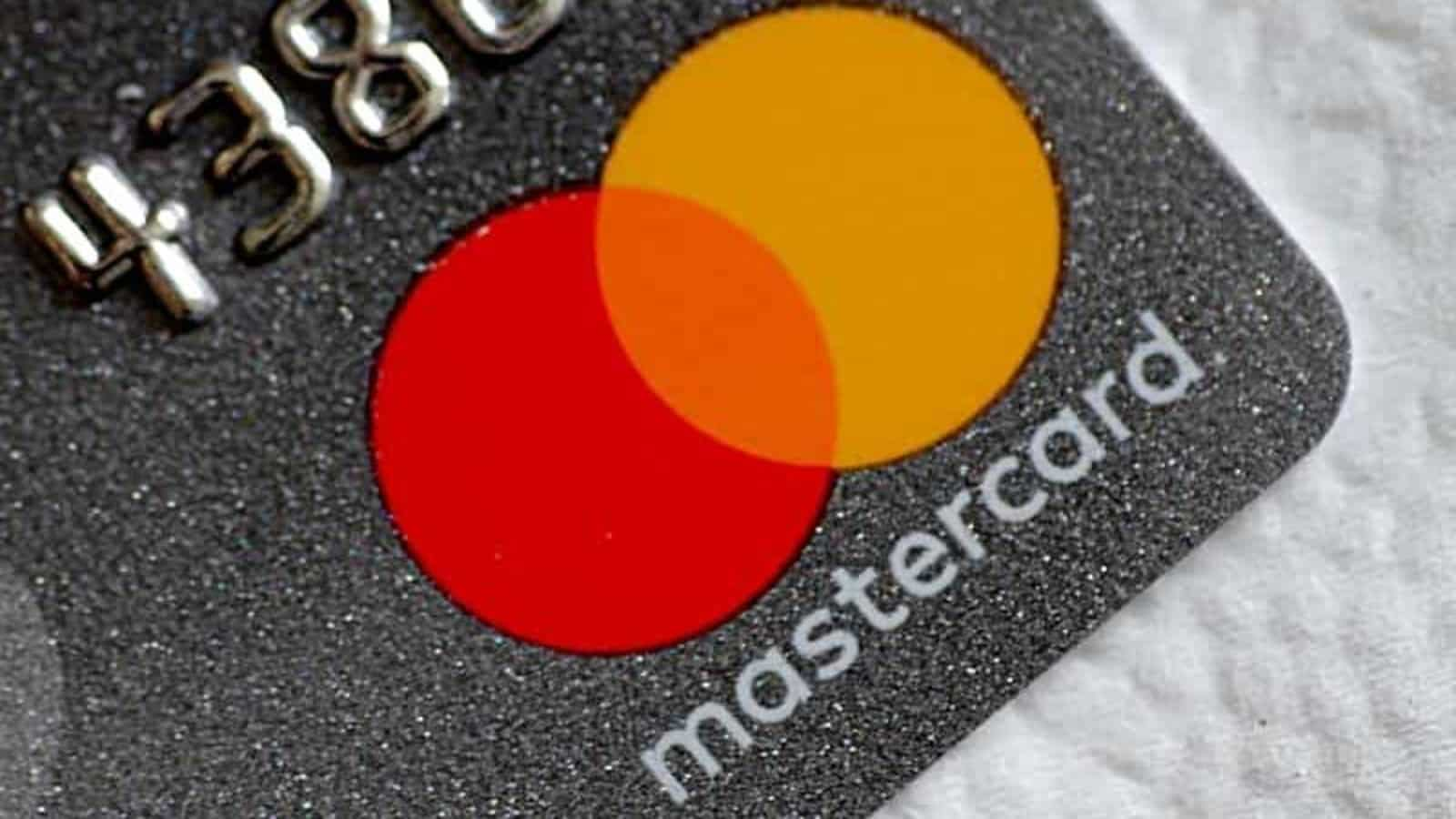 mastercard to stop issuing new debit, credit cards from tomorrow after rbi  order. all you need to know