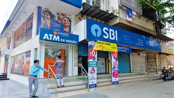 SBI overtook Axis Bank to become India's second largest mutual fund distributor in FY 2020-21. (Mint)
