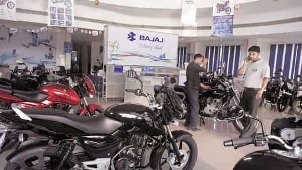 Bajaj Auto's revenue from operation grew by 139.86% to  ₹7,386 crore due to the robust exports orders during the quarter. On a sequential basis, the company's topline dropped from  ₹8,596.10 crore in Q4FY21.